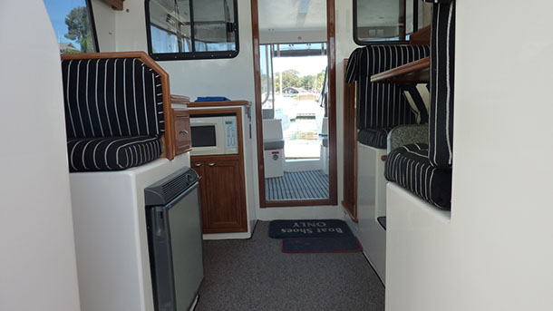 private_resort_resort_35_boat_for_hire_for_charter_sydney_pittwater_interior-1