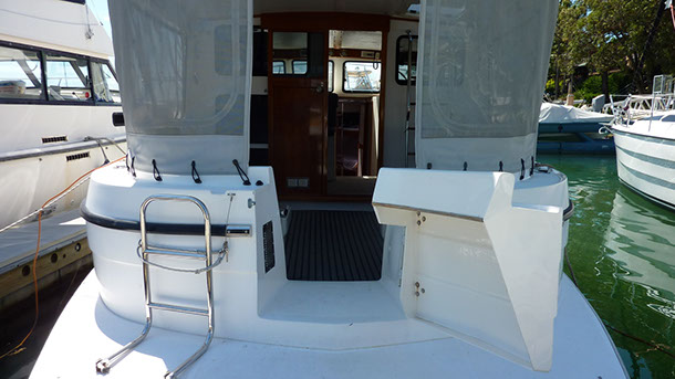 private_resort_resort_35_boat_for_hire_for_charter_sydney_pittwater_swim_board-1